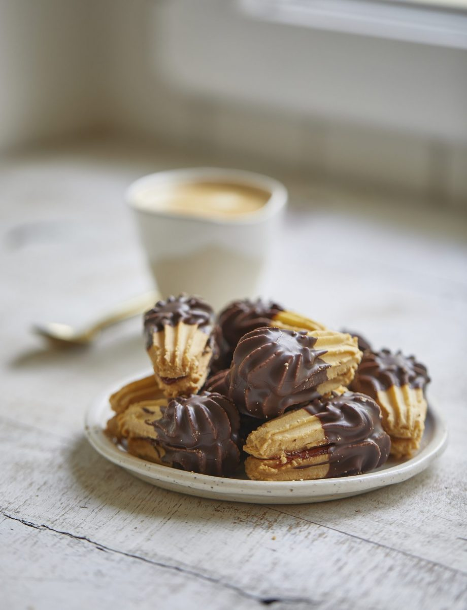Viennese-Eclair-Dipped-in-Dark-Chocolate-biscuit