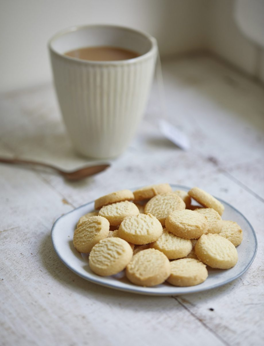 Shortbread with Bush Finger Lime biscuit